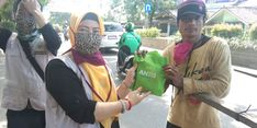 Tanggulangi Covid-19, Pensosmas Banten Bagikan 500 Paket Bantuan ke Masyarakat Rentan