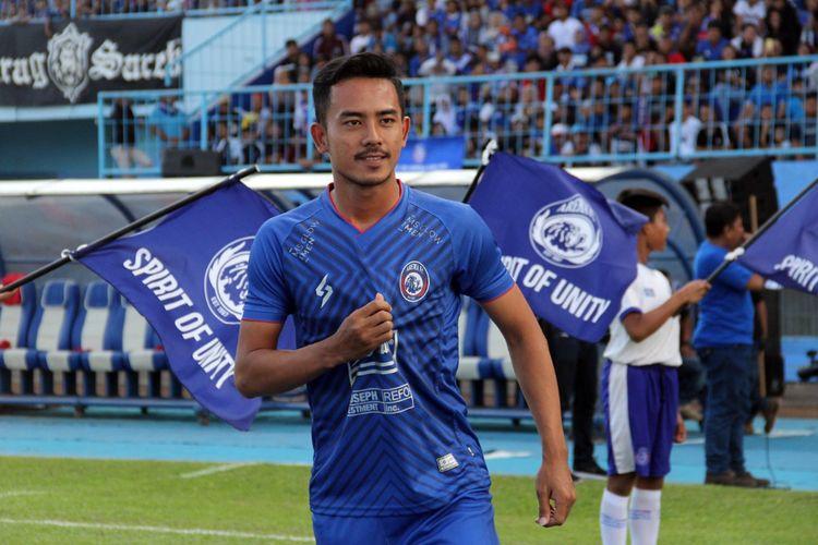 Bek kanan Arema FC, Taufik Hidayat