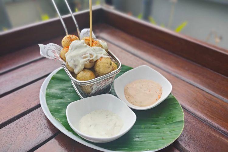 Cimol mozarella dengan saus keju dari Teraskita Hotel Jakarta Managed by Dafam