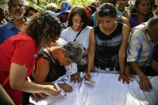Usir Intervensi AS, Maduro Sibuk Kumpulkan 10 Juta Tanda Tangan