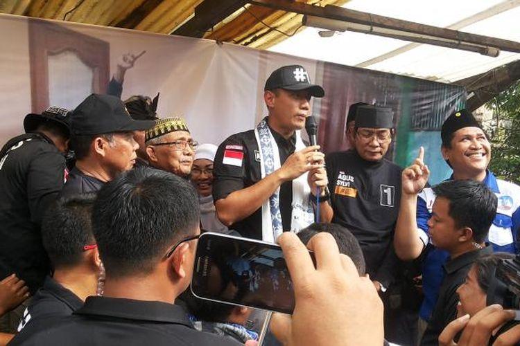 Calon gubernur DKI Jakarta nomor pemilihan satu Agus Harimurti Yudhoyono saat berkampanye di Kelurahan Cipinang, Pulogadung, Jakarta Timur, Senin (30/1/2017).