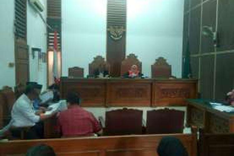 Suasana sidang praperadilan kasus pembelian lahan RS Sumber Waras di Pengadilan Negeri Jakarta Selatan, Senin (21/3/2016).