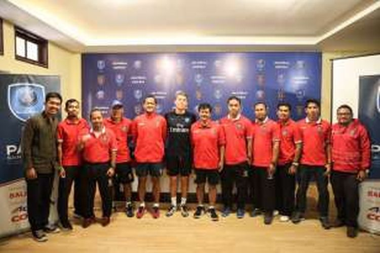 Bali United dan Paris Saint-Germain bekerja sama untuk menjalankan Paris Saint-Germain Academy yang akan dibuka di Bali.