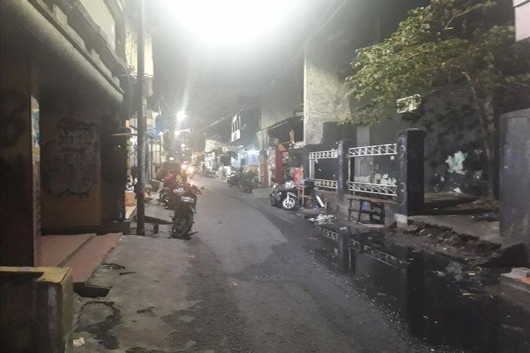 Kawasan Dolly di Kelurahan Putat Jaya, Kecamatan Sawahan, Surabaya, saat ini sudah berubah wajah setelah dulunya dikenal sebagai kawasan prostitusi atau tempat hiburan malam.