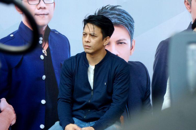 Ariel Noah saat jumpa pers konser Road To New Album di Badung Cafe, Bandung, Jawa Barat, Kamis (14/9/2017).