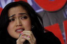 Jessica Iskandar Butuh Status Ayah untuk Anaknya