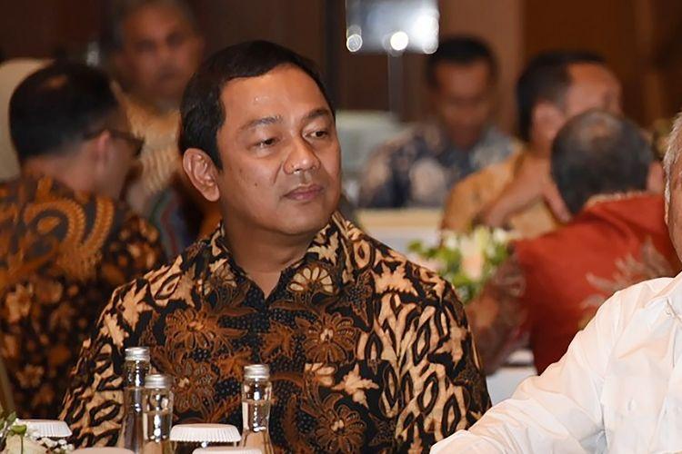 Wali Kota Semarang Hendrar Prihadi bersama Menteri PUPR Basuki Hadimuljono saat penandatanganan perjanjian pengusahaan Tol Semarang-Demak di Kementerian PUPR, Senin (23/9/2019)