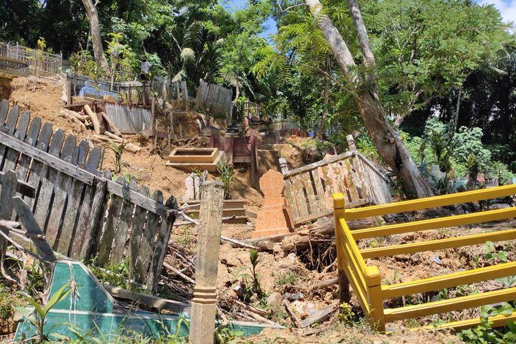 Kondisi longsor di TPU Muslimin Kelurahan Selili,  Samarinda, Kalimantan Timur, Jumat (15/5/2020).