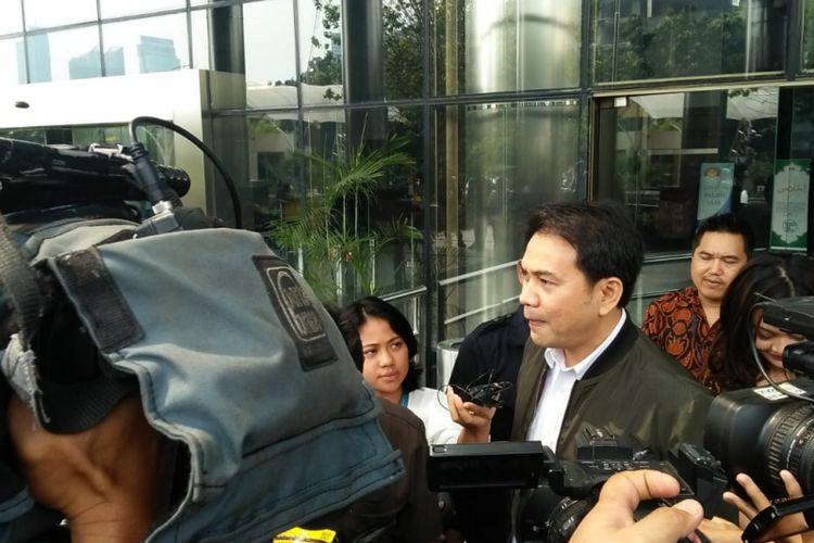 Anggota Komisi III Aziz Syamsuddin usai diperiksa KPK di gedung Merah Putih KPK, Rabu (6/6/2018)