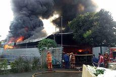 Gudang EO di Sawangan Terbakar, Petugas Terkendala Akses Air