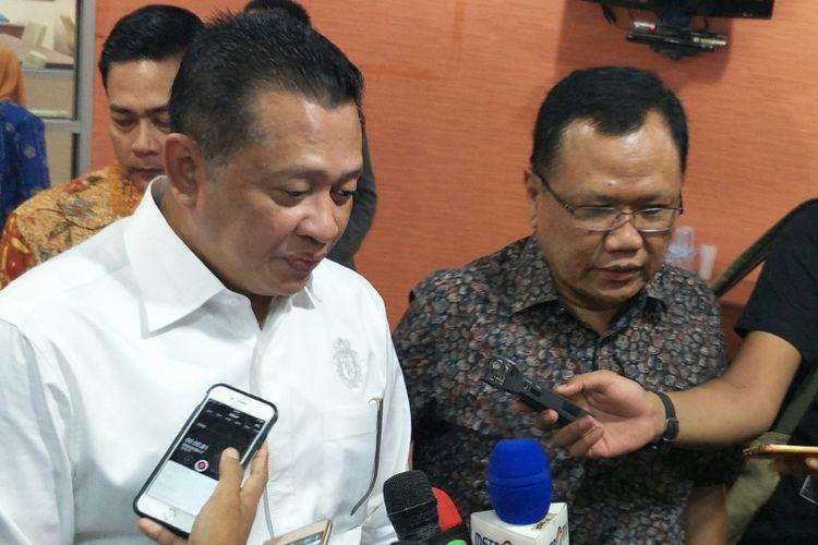 Ketua DPR Bambang Soesatyo bersama Plt Ketua PWI Sasongko Tedjo di Kantor PWI, Jakarta, Selasa (20/2/2018)