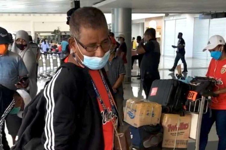 Atlet dan tim dayung Maluku di Pekan Olahraga Nasional (PON) Papua tiba di Bandara Internasional Pattimura Ambon, Rabu (13/10/2021)