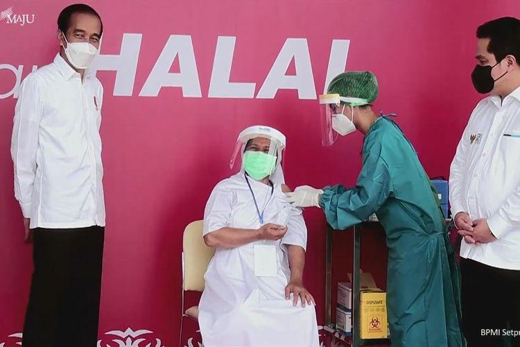 Foto tangkapan layar YouTube Sekretariat Presiden, Presiden Joko Widodo meninjau vaksinasi Covid-19 di Kota Ambon, Maluku, Kamis (25/3/2021).