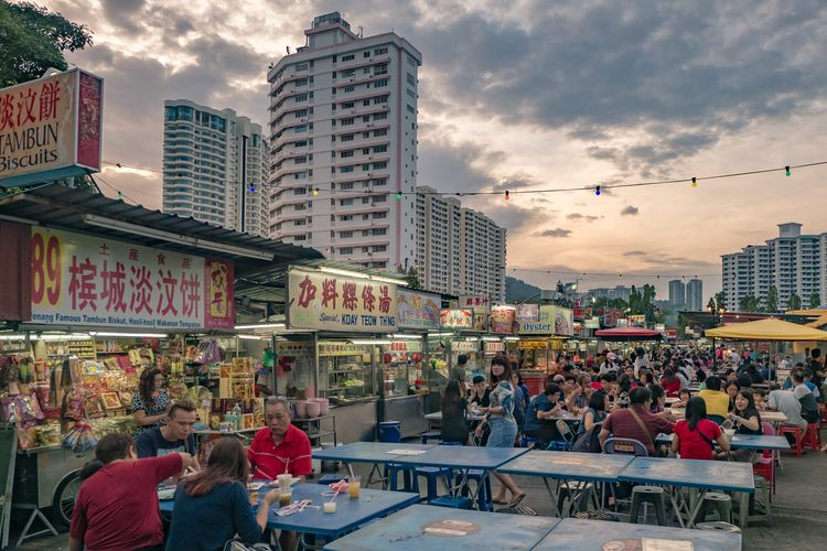 Gurney Drive Hawker Centre, Street food, Gurney Drive is a popular seafront promenade within George Town, Penang, Malaysia, March 2017.