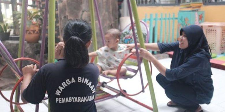 Lapas Perempuan Malang memang menjadi rujukan bagi tahanan dan napi perempuan yang hamil dan membesarkan anaknya di penjara.