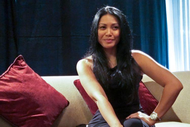 Penyanyi Anggun C. Sasmi dalam wawancara eksklusif bersama Kompas.com di Mandarin Oriental Hotel, Jakarta Pusat, Sabtu (2/12/2017).