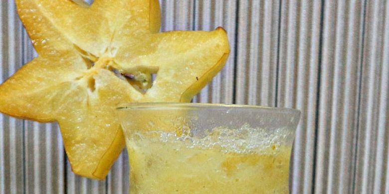 Starlight, menu spesial Hotel Santika Depok, di mana perasan air belimbing dicampur dengan sirup leci.