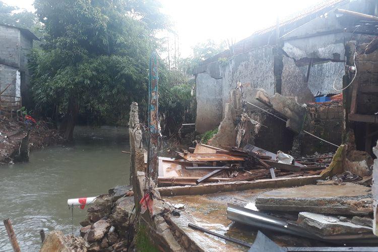 Salah satu rumah di RW 03, Kelurahan Cipinang Melayu, Makasar, Jakarta Timur, Jumat (7/2/2020), yang roboh akibat banjir pada awal tahun 2020 lalu.