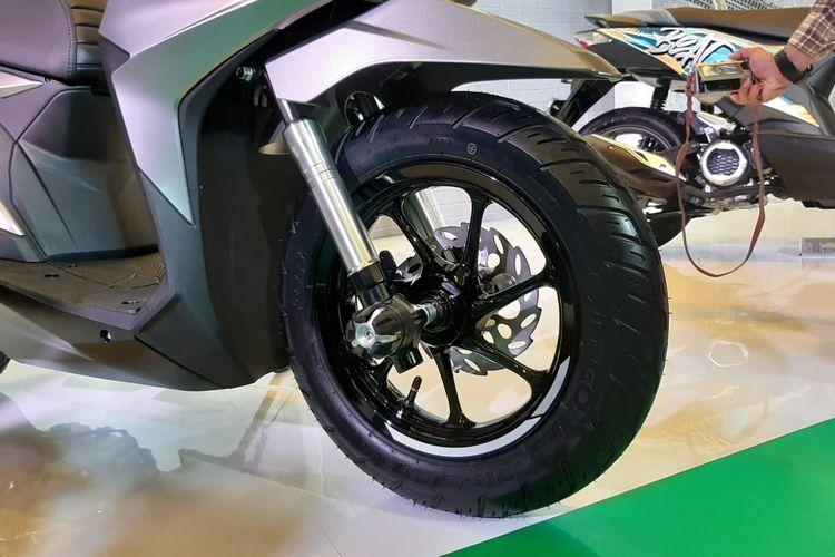 Honda BeAT menggunakan ban ring 12