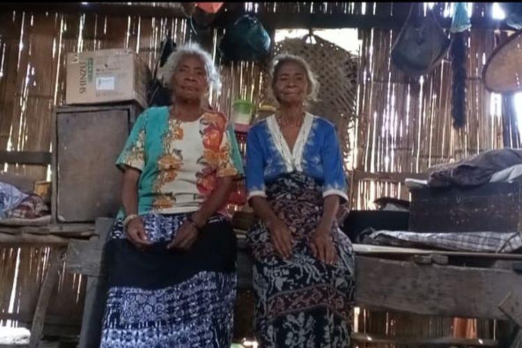 Foto : Adriana Mawar (80), seorang warga RT.04/RW.02, Dusun Nangahaledoi, Desa Wairbleler, Kecamatan Waigete , Kabupaten Sikka, NTT, sudah puluhan tahun tinggal di gubuk reyot.