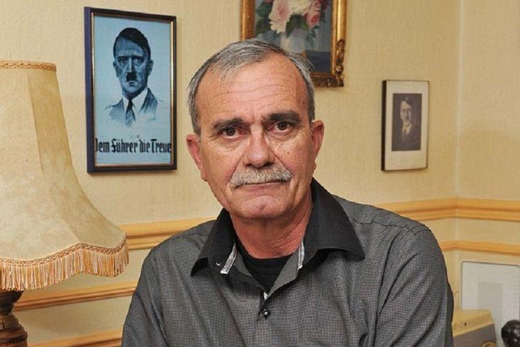 Philippe Loret (62) tukang ledeng asal Perancis yang mengaku sebagai cucu Adolf Hitler.