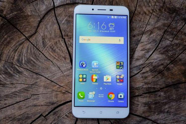 Layar Asus Zenfone 3 Max dirancang dengan desain 2,5D