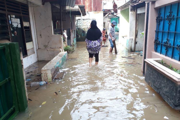 Banjir di RW 05, Kelurahan Cawang, Kramat Jati, Jakarta Timur, Kamis (20/2/2020).