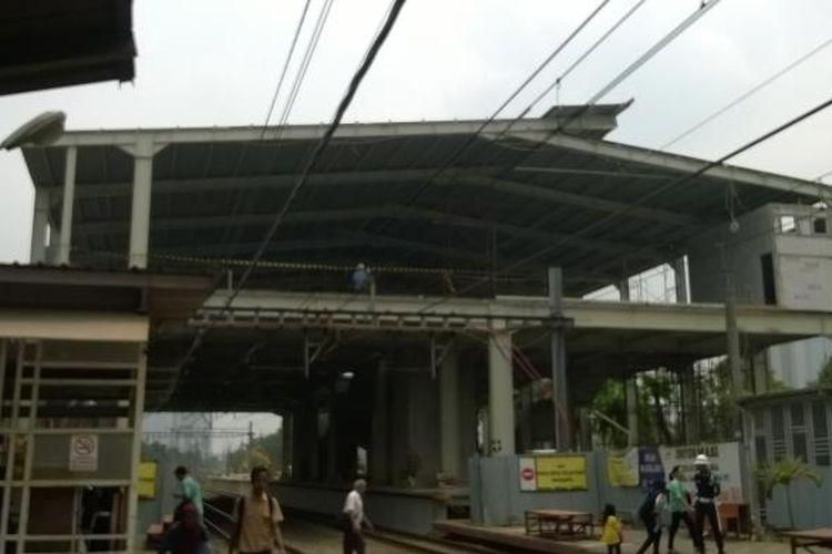 Stasiun Kebayoran sedang dalam tahap pembangunan dan diperkirakan akan selesai pada akhir tahun 2016.