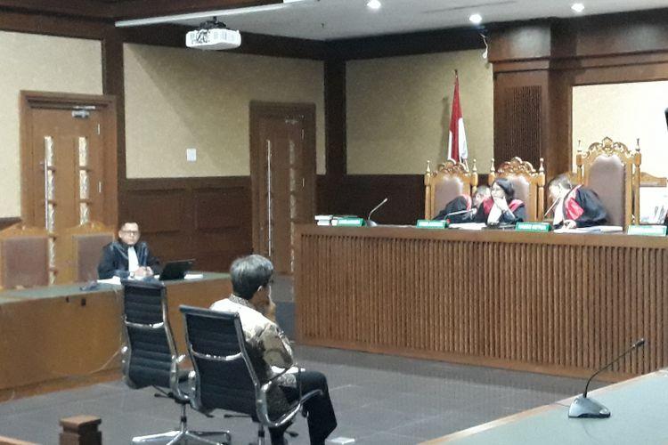 Mantan Direktur Utama PT Quadra Solutions, Anang Sugiana Sudihardjo divonis 6 tahun penjara di Pengadilan Tipikor Jakarta, Senin (30/7/2018).