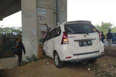 Avanza Tabrak Tiang Penyangga Jalan Tol di Bogor, 3 Orang Luka