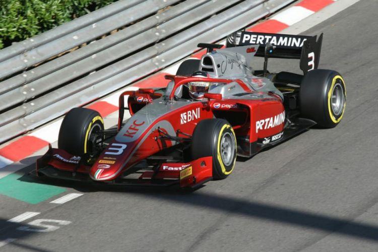 Pemakaian ban soft setelah pit stop adalah bagian dari taktik yang membuat Sean Gelael finis di posisi dua Race 1 F2 di Monako, Jumat (25/5).
