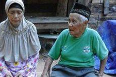Menabung di Dalam Batang Bambu sejak 1982, Petani Uzur Ini Akhirnya Naik Haji