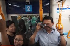 Kalungkan Kamera, Lihat Gaya Ahok dan Putranya Saat Jajal MRT