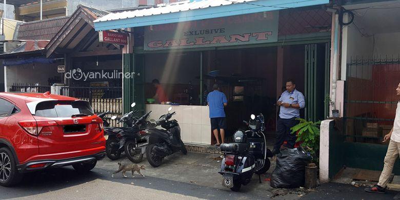 Bakso Sapi Exclusive Gallant 999 Sunter beralamat di Jalan Sunter Hijau Raya, Jakarta Utara.