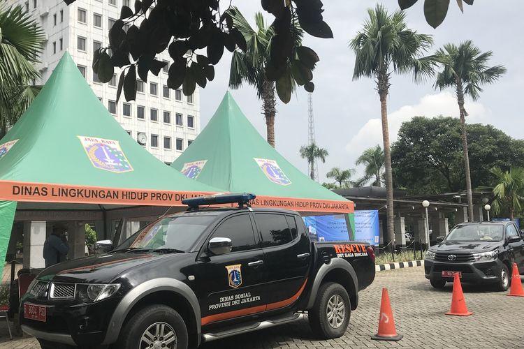 Dinas Lingkungan Hidup gelar uji emisi kendaraan roda empat di kantor Wali Kota Jakarta Barat, Selasa (12/3/2019).