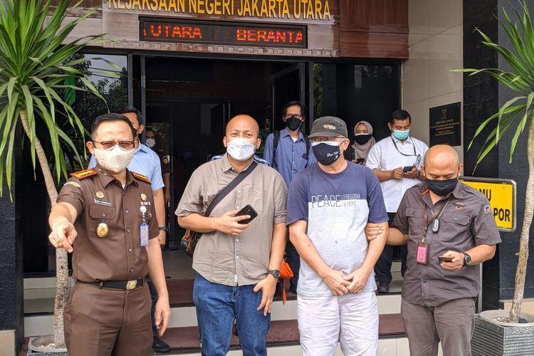 Komisi Pemberantasan Korupsi (KPK) melalui Direktorat Koordinasi dan Supervisi Wilayah II bersama Tim Gabungan Kejaksaan Tinggi DKI Jakarta melakukan penangkapan terhadap DPO Kejaksaan Tinggi DKI Jakarta sejak tahun 2011 atas nama Hasan pada Selasa (31/8/2021).