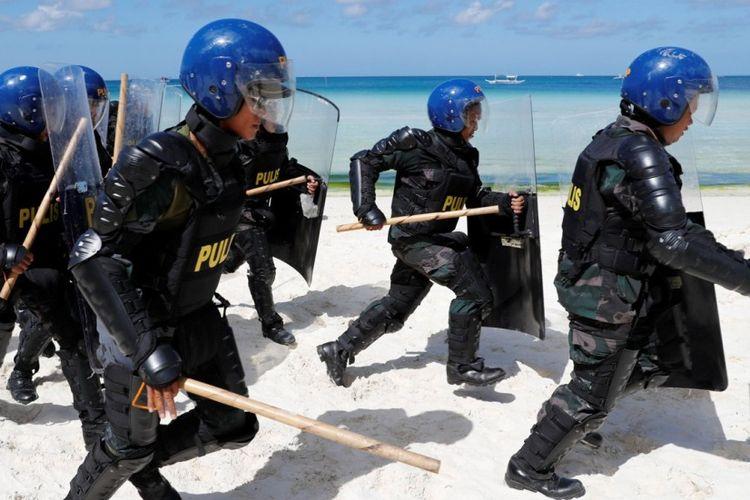 Polisi keamanan telah tiba di Pulau Bocaray yang dikerahkan untuk pengamanan selama masa rehabilitasi mulai 26 April 2018.
