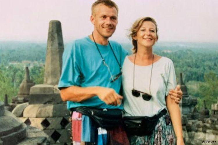 Bettina Stehkämper dan suaminya saat liburan di Indonesia.
