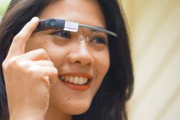 Kacamata pintar Google Glass