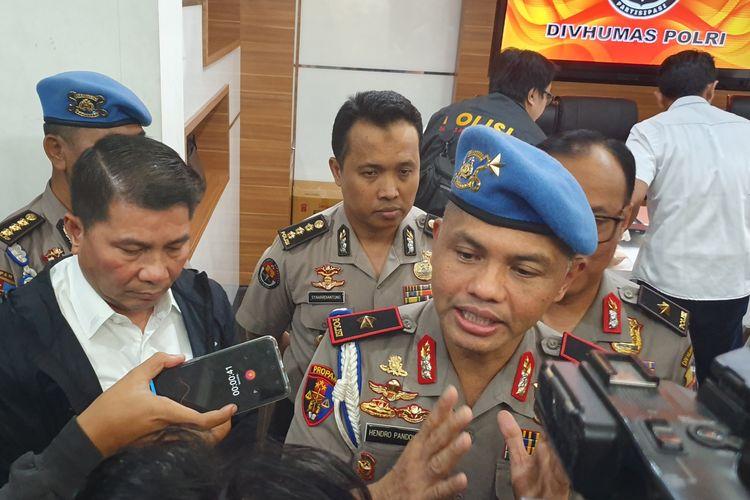Kepala Satgas Antimafia Bola Polri Brigjen Pol Hendro Pandowo dalam jumpa pers di Kantor Mabes Polri, Jakarta, Senin (25/3/2019).
