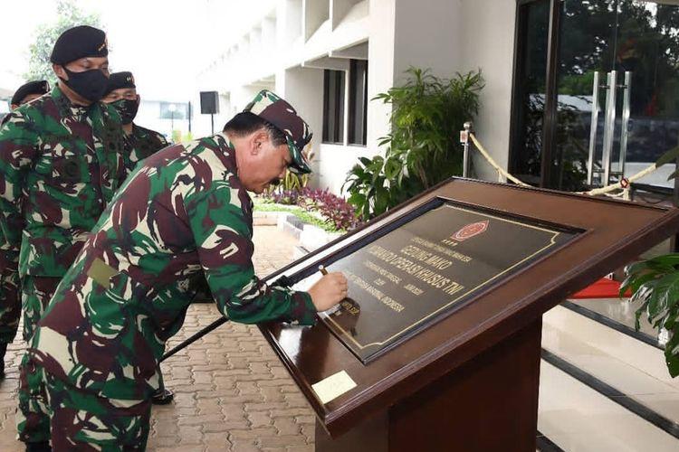 Panglima TNI Marsekal TNI Hadi Tjahjanto meresmikan gedung markas Komando Operasi Khusus (Koopssus) yang berlokasi di Mabes TNI, Jakarta, Kamis (11/6/2020).