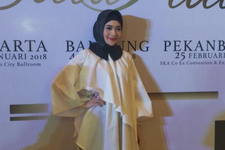 Indah Dewi Pertiwi saat menghadiri konferensi pers konser Satu Hati du Kuningan City, Jakarta Selatan, Sabtu (27/1/2018) sore.