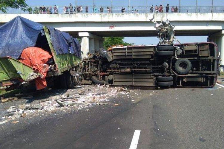 Kecelakaan yang terjadi di KM 150+300 arah Cikopo menuju Palimanan pada, Minggu (23/8/2020) mengakibatkan kemacetan.