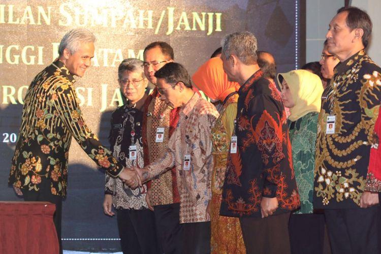 Pelantikan 29 pejabat baru di lingkungan Pemprov Jawa Tengah di Wisma Perdamaian Semarang, Jumat (25/1/2019)