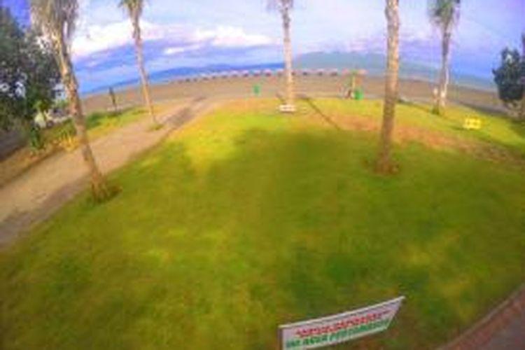 Pantai Boom di Banyuwangi, Jawa Timur.