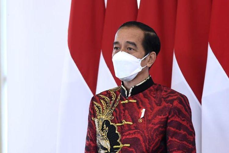 Presiden Joko Widodo saat menghadiri Perayaan Imlek Nasional 2021 yang digelar secara virtual dari Istana Kepresidenan Bogor, Jawa Barat pada Sabtu (20/2/2021).