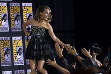 Natalie Portman Tak Sabar Genggam Palu Thor