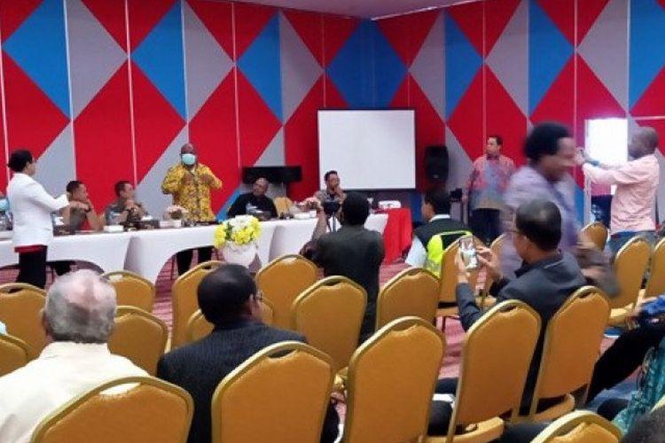Suasana pertemuan Asosiasi Bupati Pegunungan Tengah Papua di Jayawijaya, Jumat (20/3/2020). ANTARA/Marius Frisson Yewun