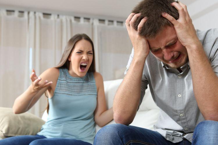Ilustrasi kekerasan emosional dalam hubungan