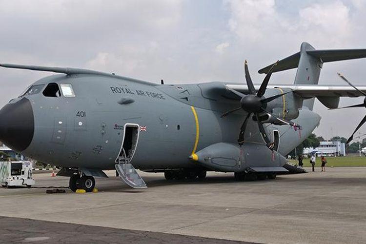 Pesawat angkut A400M milik Angkatan Udara Kerajaan Inggris (Royal Air Force), didatangkan Airbus ke Lanud Halim Perdanakusuma, Senin (6/3/2017).